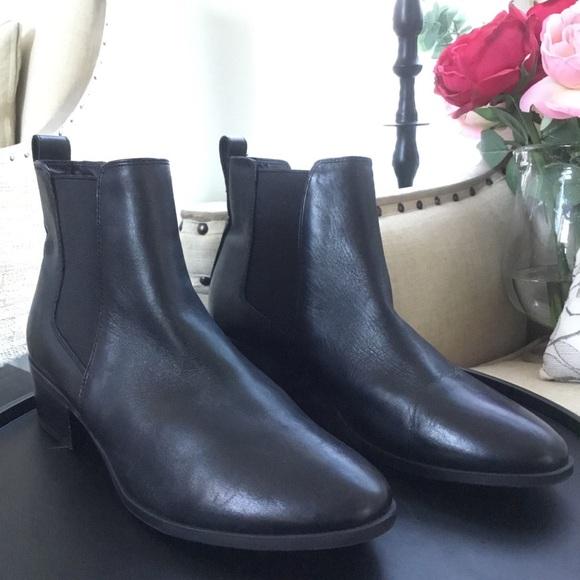 Steve Madden Dover Black Leather Bootie